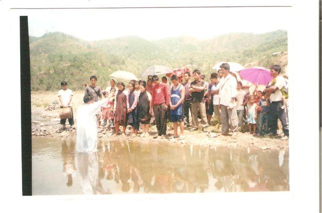 Kipgen2009/3baptism_service.jpg