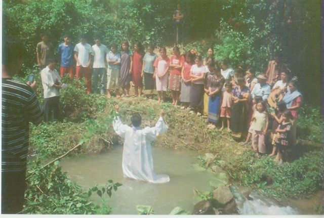 Kipgen2009/Baptism_Service_09.jpg